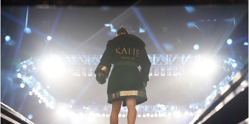 Katie Taylor retains Ring Maga...