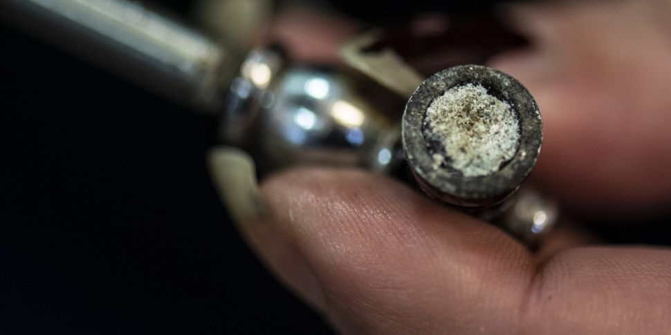 Crack pipe use surges by almos...