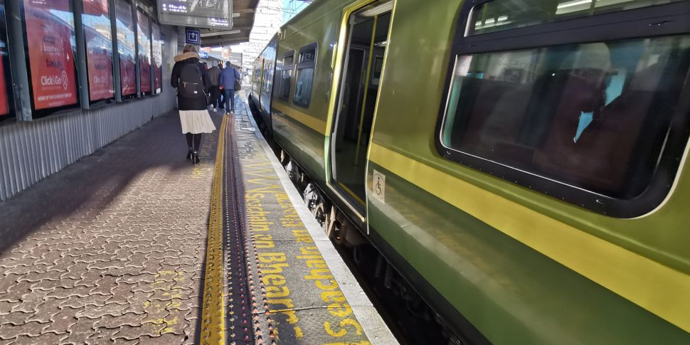 Irish Rail to order over 100 e...