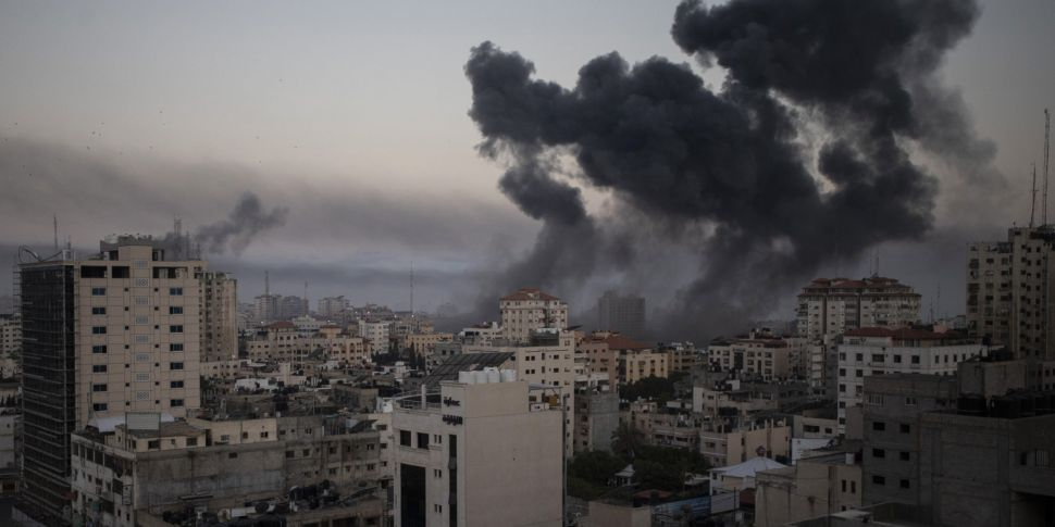 Israel-Gaza violence: Dozens o...