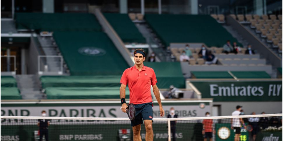 Roger Federer withdraws from F...