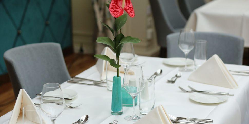 Dáil passes indoor dining legi...
