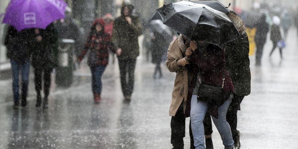 'Heavy, thundery downpours' fo...
