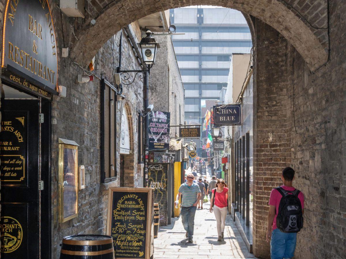 Concerns over Merchant's Arch development in Dublin's Temple Bar | Newstalk