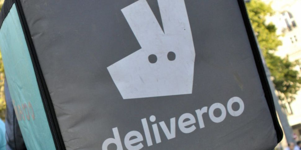 Amazon invests in food deliver...