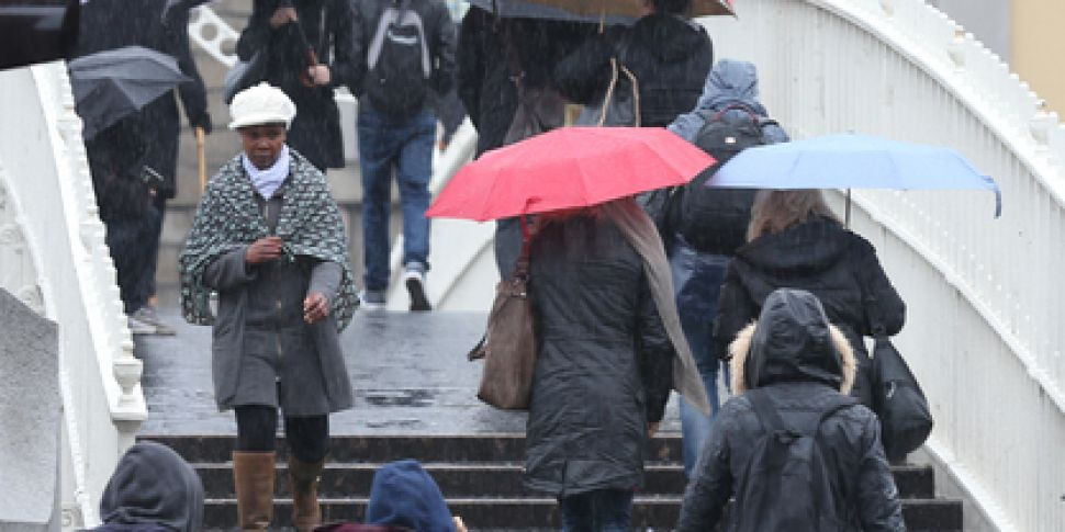 Sunday's weather: Showers to b...