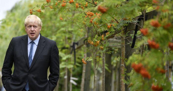 First resignation rolls in as Boris bangs on Downing Street door