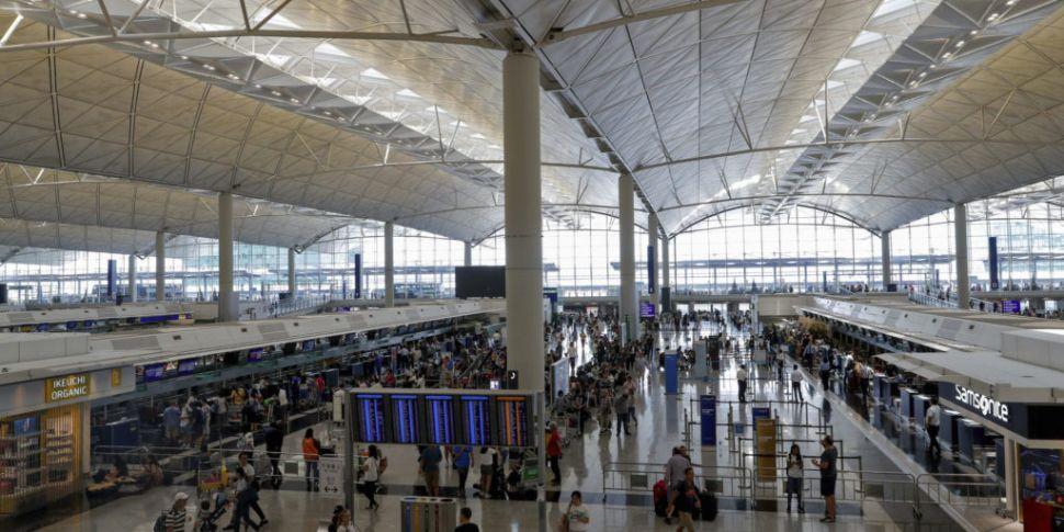 Flights resume at Hong Kong Ai...