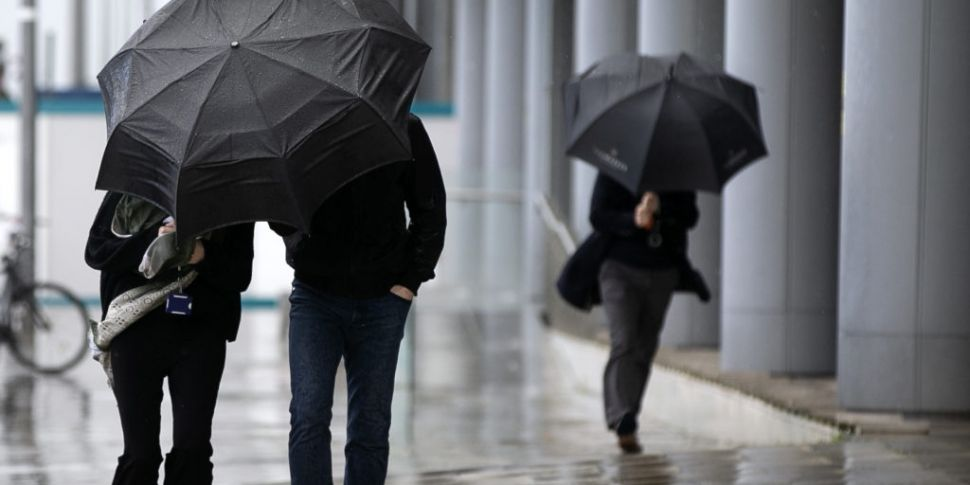 Very heavy rain forecast for m...
