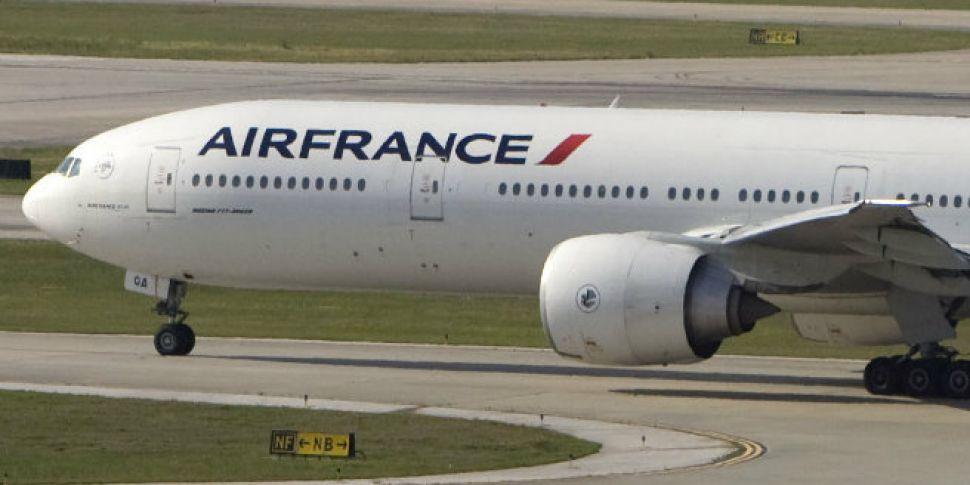 Air France flight attendants f...