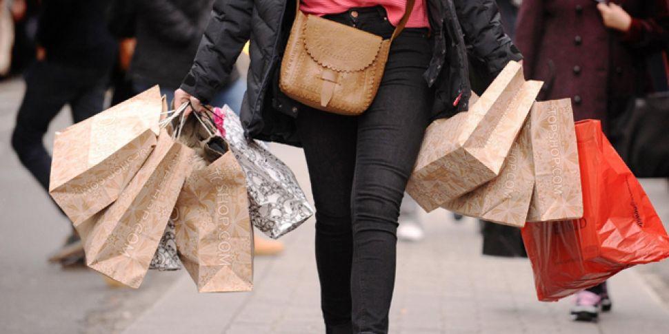 Optimistic Irish shoppers spla...