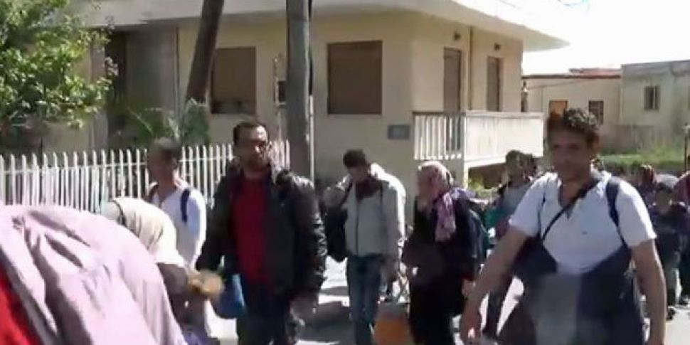 WATCH: Refugees break out of G...