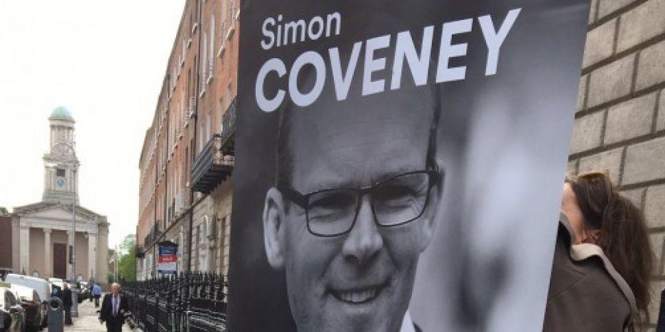 Simon Coveney launches his Fin...