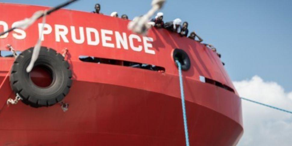 NGOs suspend migrant rescue op...