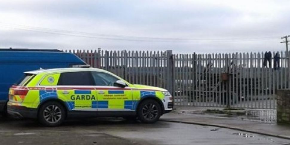 Gardaí and CAB carrying out se...