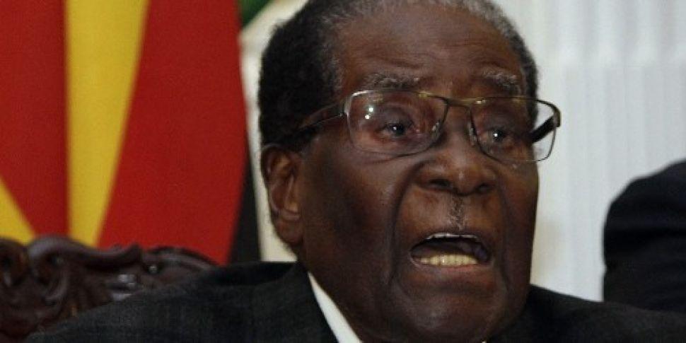 Robert Mugabe faces impeachmen...
