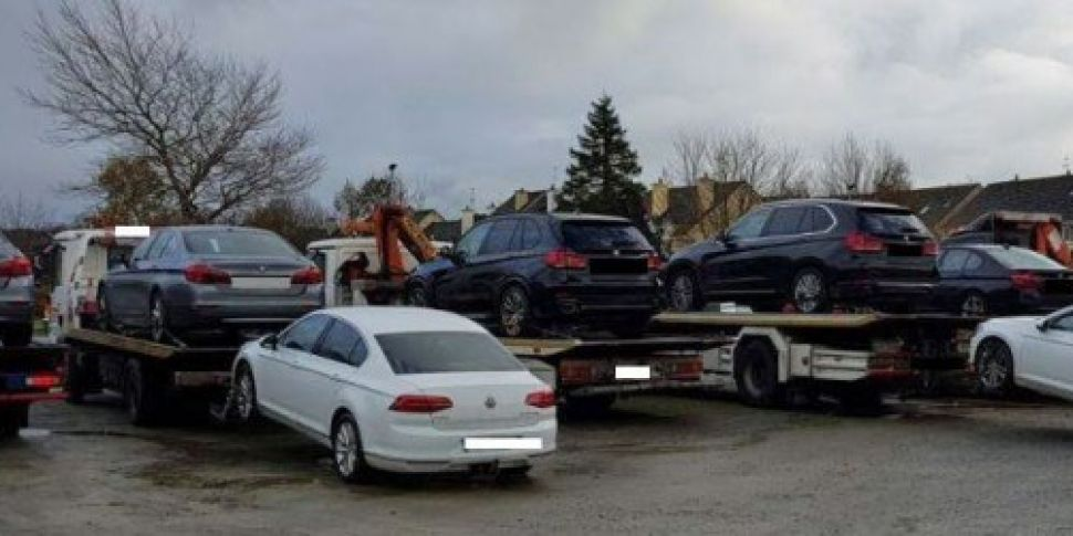 Jewellery and cars seized in K...