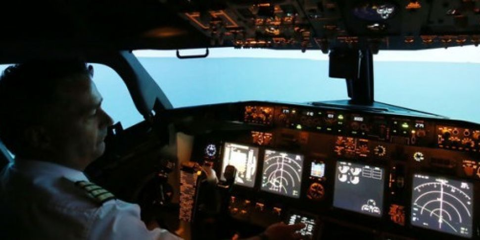 Ryanair offers pilots €12,000...