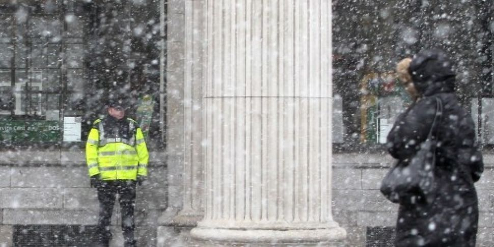 Forecasters say snow showers l...
