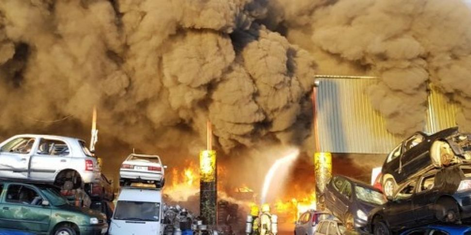Fire at recycling plant near D...