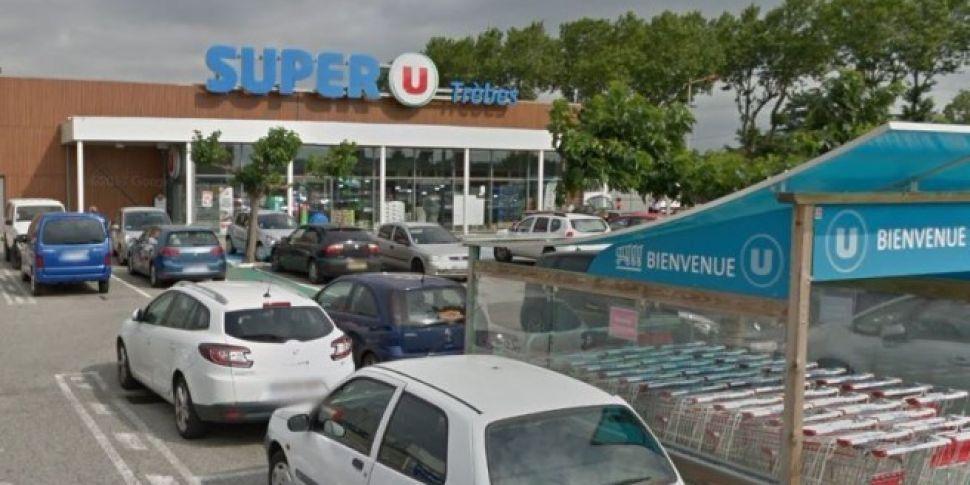 Gunman shot dead in France sup...