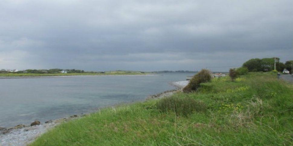 Man found washed ashore on Cla...