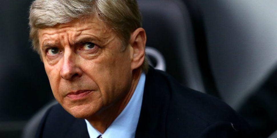 Wenger uncertain over Walcott...