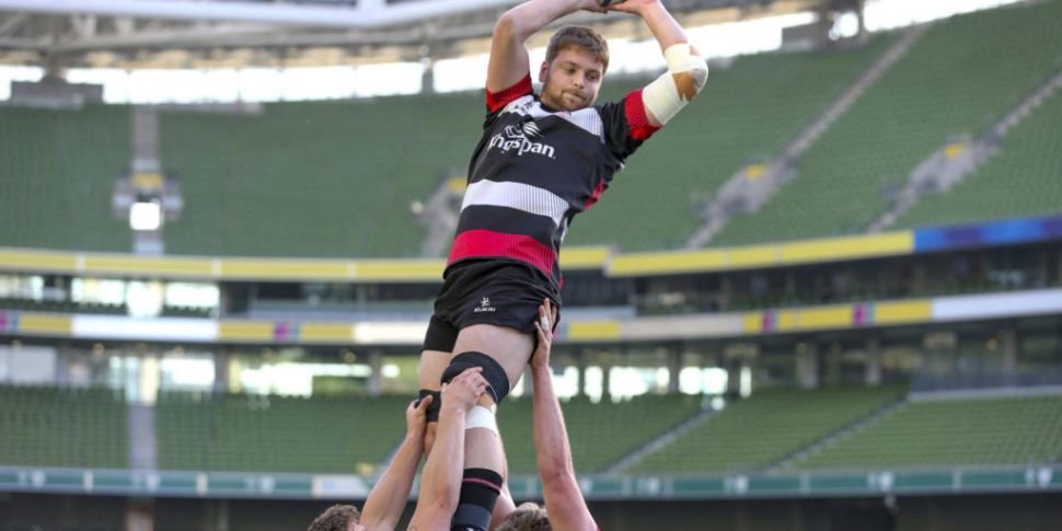 Iain Henderson replaces Best a...