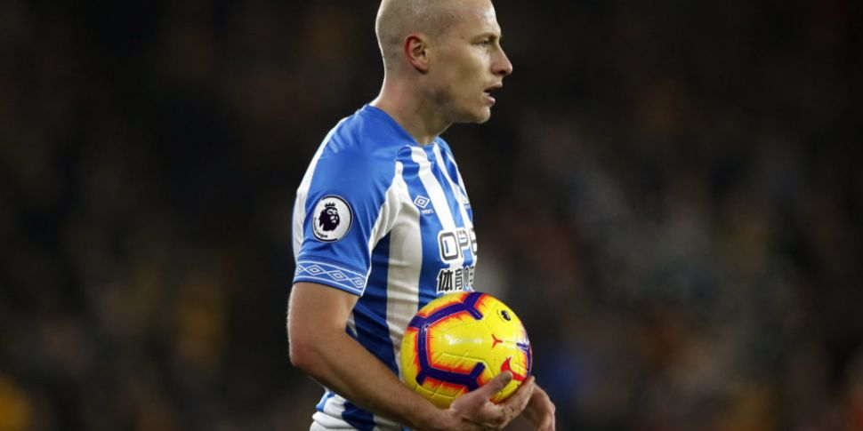 Aaron Mooy signs for Brighton...