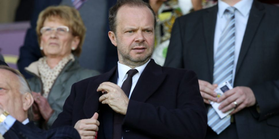 Ed Woodward hits back at criti...