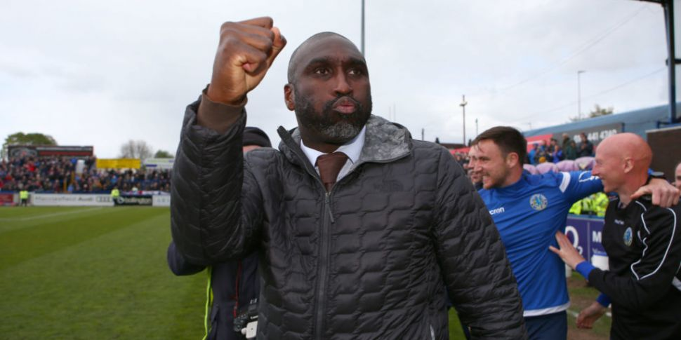 Sol Campbell leaves Macclesfie...