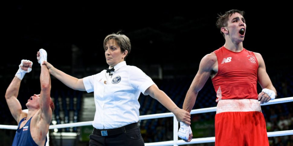 Boxing referees and judges fro...