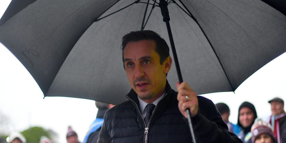 Gary Neville hits out at Premi...