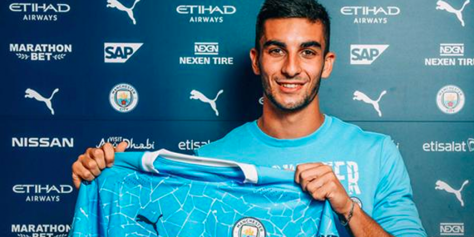 Manchester City complete €30m...