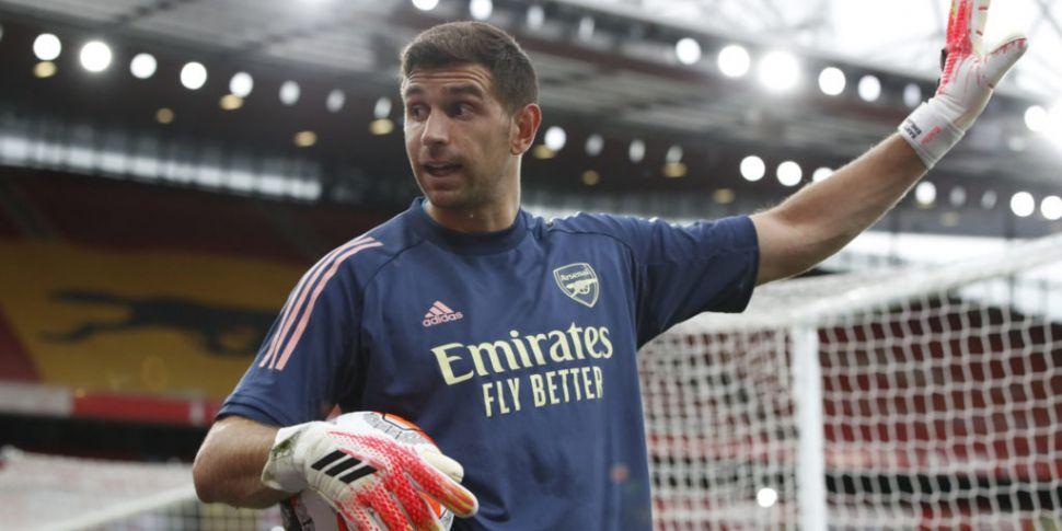 Aston Villa sign goalkeeper Em...