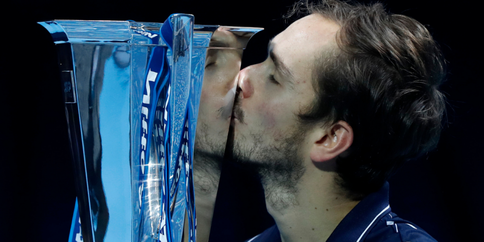Magnificent Medvedev beats the...