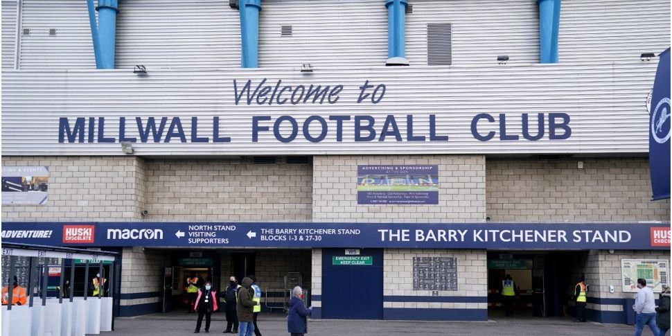 Millwall & Colchester booing |...
