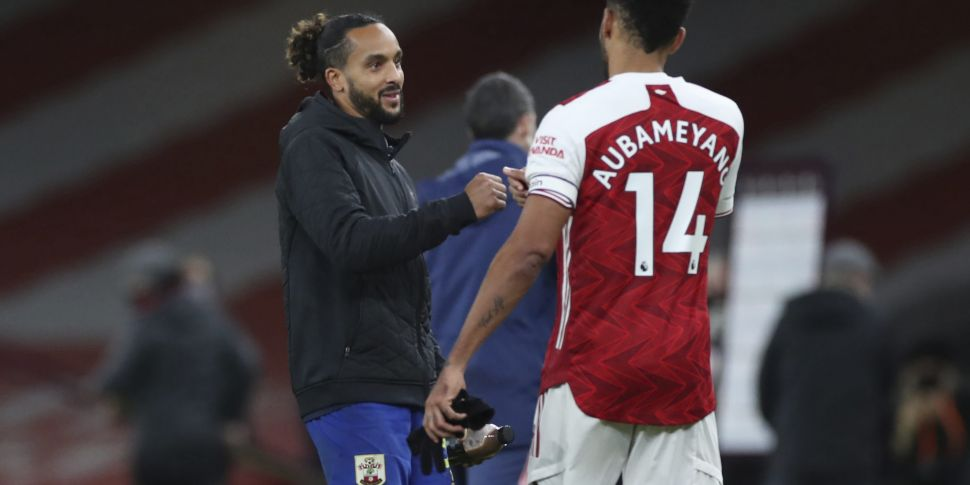 WATCH: Arsenal see red again b...
