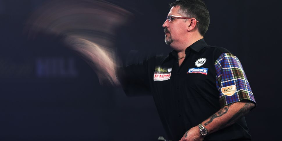 Gary Anderson through to next...