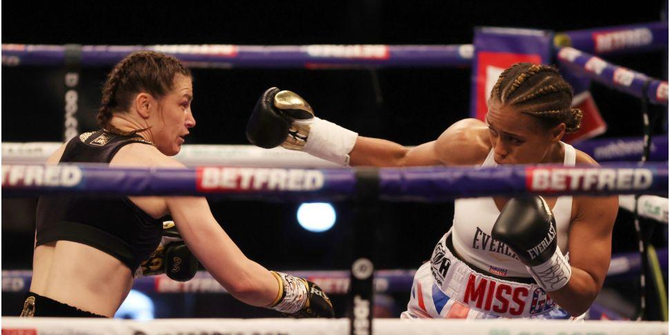 Katie Taylor defends lightweig...