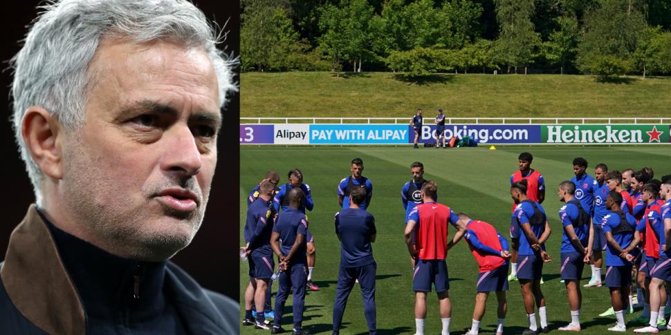 Mourinho selects his England X...