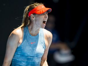 Maria Sharapova refuses to ans...