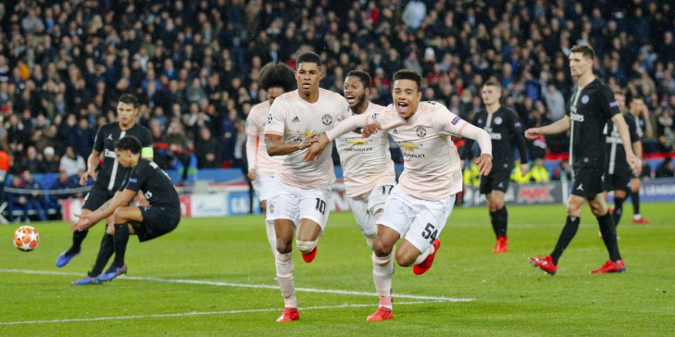 Manchester United stun PSG in...