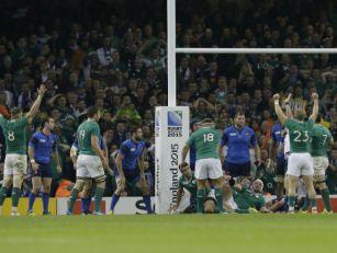 Ireland oust Les Bleus in phys...