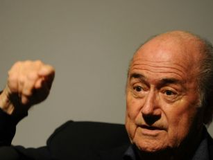 PIC: Blatter writes to every f...