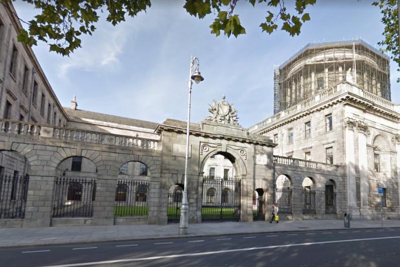 High Court hears lift in Killarney hotel felt like it was hanging by a thread