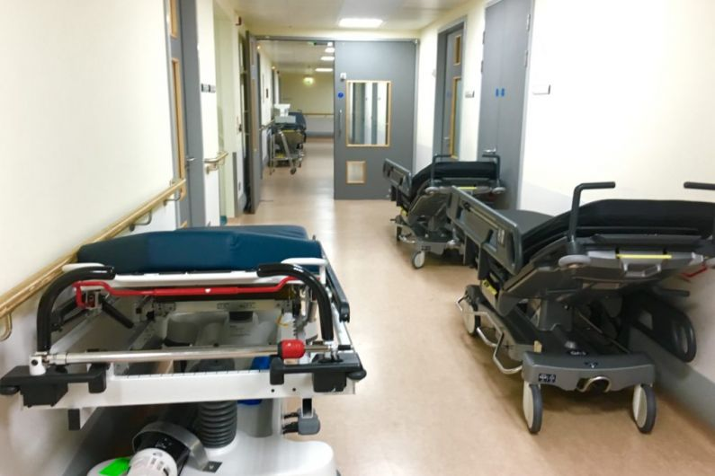 22 patients on trolleys at UHK
