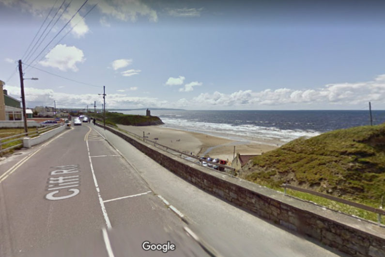 Fears Ballybunion road could collapse onto Ladies Beach