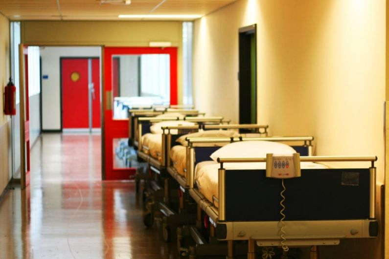 20 patients on trolleys in UHK