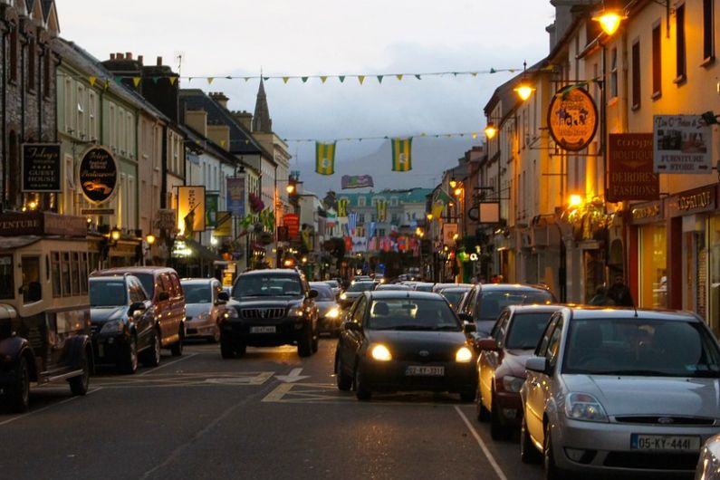 Discussions needed to ensure no traffic chaos when tour buses return to Killarney